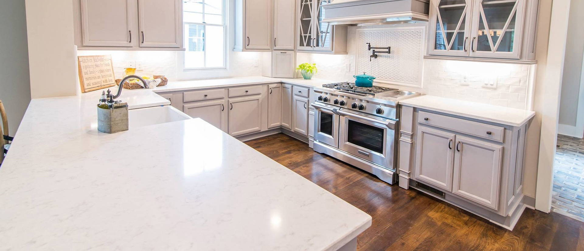 Cashmere Carrara Quartz Countertop Kitchen Cabinets