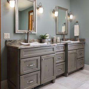 Dovetail Gray - Olde World on Maple Standard Overlay using Aspen Door