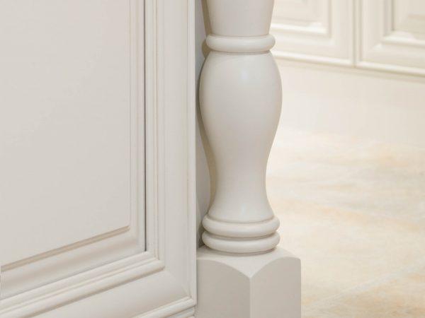 Soft White on Maple Full Overlay using Bradford Door